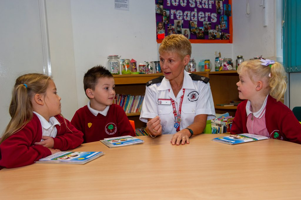 Jo Gouldson visits children at Finedon Infant School