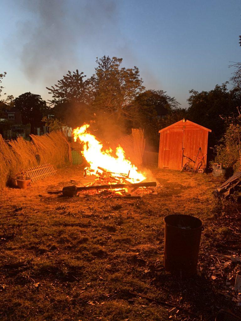 Bonfire in Hardingstone