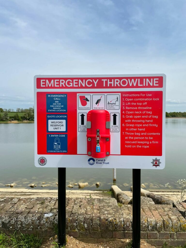 Throwline attached to emergency board at Welford Reservoir